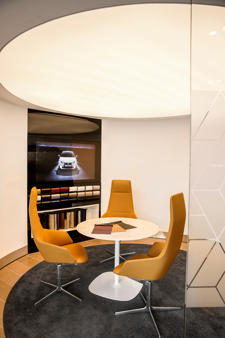 Lexus-showroom-UK-2